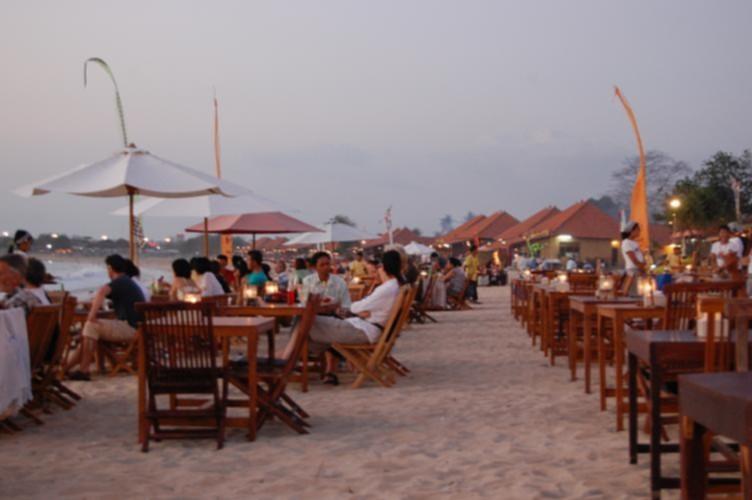 seafood restaurants on jimbaran bay